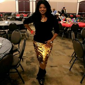 Gold Sequin Pencil Skirt Fits 10-15